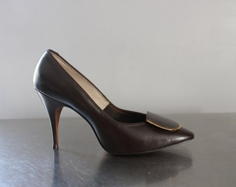 Brown L.G. Haig Shoes high heel pumps gold accent never worn heel caressing fit new old stock NOS 1960's Mad Men style small petite size 6b
