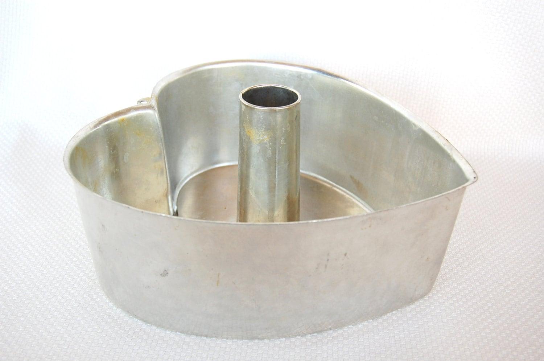 Heavy Duty Heart Shaped Cake Pan 2 Piece Steel Tube Pan Heart