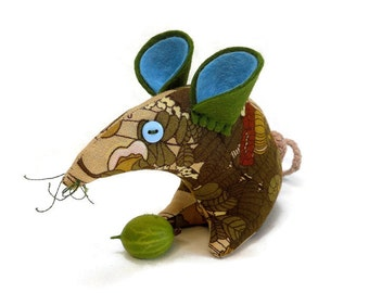 A Vintage Mouse ? A Retro Mouse ? THIS Mouse in  70s  Olive Green Vintage Fabric