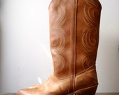 SALE  Vintage Caramel Brown Cowboy Boots Womens Size 9m