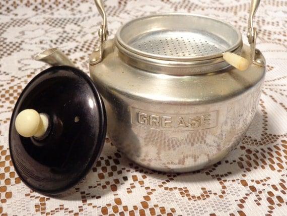 vintage aluminum grease teapot aluminum grease jar with. Black Bedroom Furniture Sets. Home Design Ideas