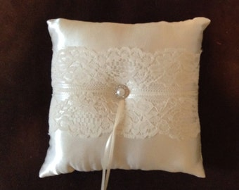 custom made ivory or white lace personlised ring bearer pillow