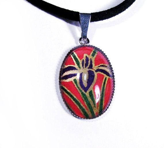"Pendant Necklace 1"" Oval - Purple Iris on Red"