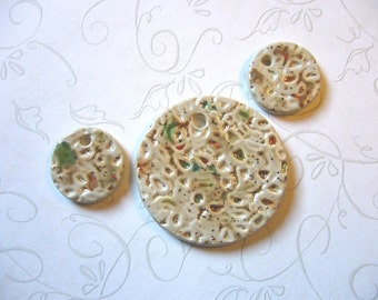 Sand Pebbles Ceramic Pendant And Earring Set