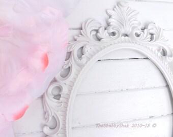 Ornate Baroque Frame / Hollywood Regency / Matte White / Oval Frame / Paris Apartment / Wedding Frame / Photo Prop / Shabby Chic Decor