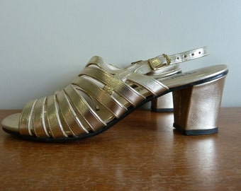 60s Gold Sandals - Metallic Summer Formal Shoes - Chunky Heels - Fascinators - Vintage 1960s - 7.5 7 1/2 N
