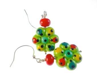Glass Bead Jewelry, Green Dangle Lampwork Earrings,  Colorful Beadwork Earrings, Daisy Flower Earrings, Lampwork Jewelry