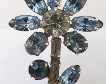 Vintage jewelry brooch Juliana style blue and clear  rhinestones in silver tone 1950s flower wedding brooch