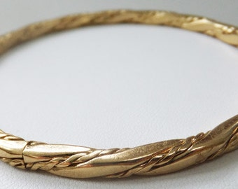 Vintage jewelry bracelet in Gold by Monet wedding bracelet 1970s