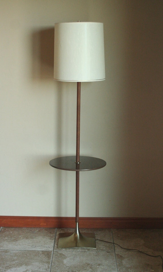 working vintage floor lamp with built in table and original. Black Bedroom Furniture Sets. Home Design Ideas