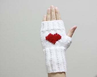 Heart Gloves for women, Knit Fingerless Gloves, Heart Mittens, Valentines day gift, White heart gloves