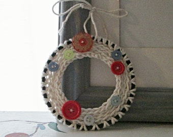 WREATH ORNAMENT BUTTON Crochet Mini