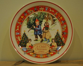 Vintage Wedgwood china plate - A Child's Christmas 1980
