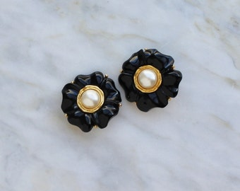 80s 90s Black Flower Pearl Gold Tone 1980s 90s French Couture Earrings