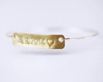 Date Bracelet, Date Tag, Heart Tag, Wedding Date Bangle, Wedding Jewelry, Hand Stamped Date Bangle, Anniversary Date Bracelet, Date Tag
