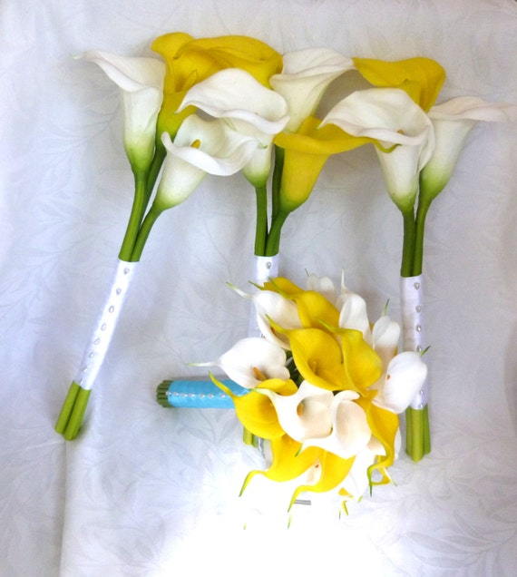How Long Should Bridal Bouquet Stems Be : Yellow and white calla lily set mini bridal