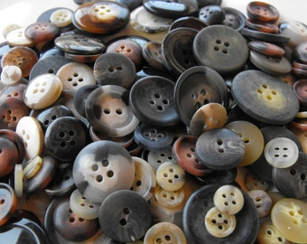 Natural Buttons, 100 Bulk Assorted Round Multi Size Crafting Sewing Buttons