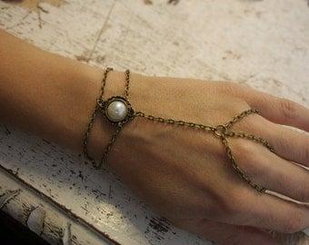 Slave - ring bracelet