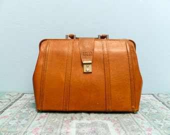 Vintage brown leather bag / caramel leather bag / leather handbag / doctors bag / big large