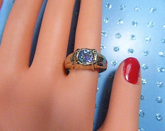 Vintage Gold and Mystic Topaz Ring - Size 9.75 - R-340