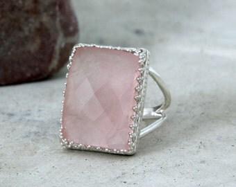 SALE - rose quartz ring,love stone ring,silver ring,rectangular ring,pink quartz ring,pink ring,semiprecious ring