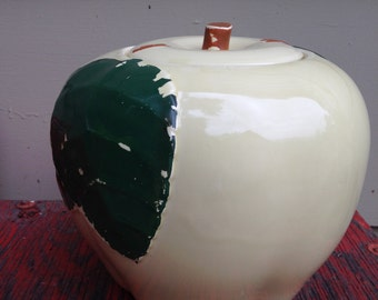 Chippy Vintage Apple Cookie Jar