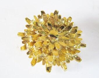 Gerry's Flower Brooch Vintage Pin Goldtone