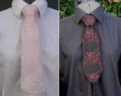 ladies lace tie in pinky peach or black and red