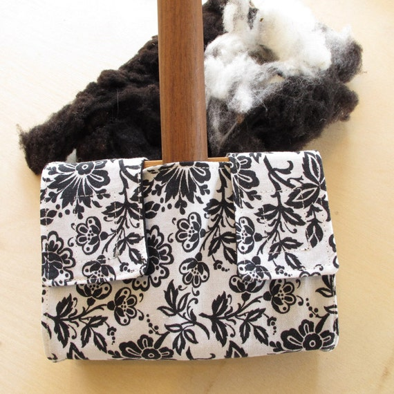 Small Carder Keeper- A Spinners Tool - Black and White Flowers