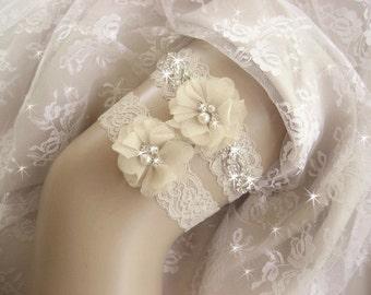 Vintage Champagne Wedding Garter / Tea Stained / Rhinestone Garter / Crystal Garter / Toss Garter / Garter Belt / Garder