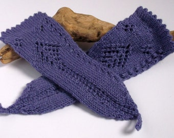 Lilac / lavender women's or teenager's hand knitted wrist warmers / fingerless gloves.Small to medium.