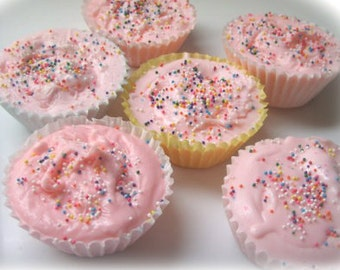 Cupcake Soaps. Wholesale lot of 50- Wholesale- Wholesale Soap- Handmade Soap- Cupcakes