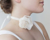 Flower choker / Chiffon flower / Bridal choker / Velvet ribbon / Ivory flower choker / Wedding accessory / Beach wedding