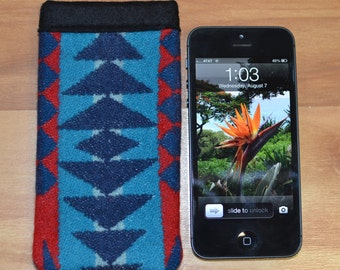 iPHONE se SLEEVE - phone won't slip out - Native American WOOL tribal arrows turquoise iPhone 5 5s sleeve cover case made of Pendl Wool