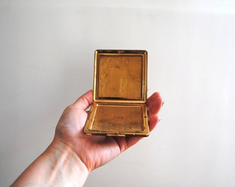 Vintage Gold Tone Metal Compact with Flower Design