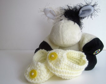 Crochet Baby Booties - Vanilla Off White with Yellow Buttons - Newborn to 3 Months