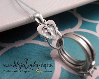 AloraLocks Small Expectant Mommy Baby Feet Ring & Charm Holding Pendant