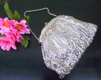 Vintage Whiting and Davis Co Silver Mesh Metal Evening Bag - Kiss Lock Clasp & Original Mirror - Treasury Item