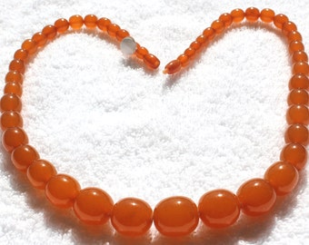 """Vintage Butterscotch Honey Amber Bead Necklace 26 1/2"""" 72 grams 1940's Istanbul"""