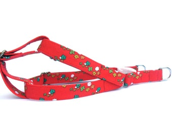 Dog Harness, TINY FLOWERS in RED, Handmade Dog Harness, Dog Step in Harness, Step in Dog Harness