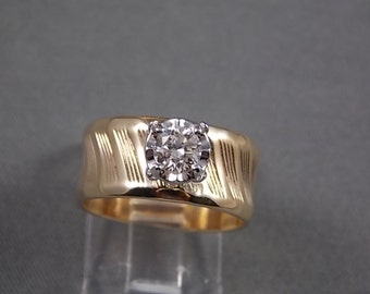 Cigar Band  9mm Gold Diamond Band Ring with Illusion Head Set.57Cts  2700 Appraisal 7.3gm Size 8  Ridged Design