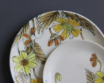 Hand Painted Wild Flower Plate Set (Service for 4)