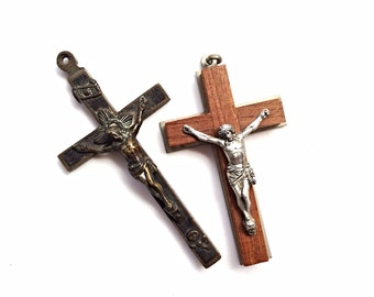 lot of two (2) beautiful big chunky religious crosses assemblage lot 2 pcs lot  53