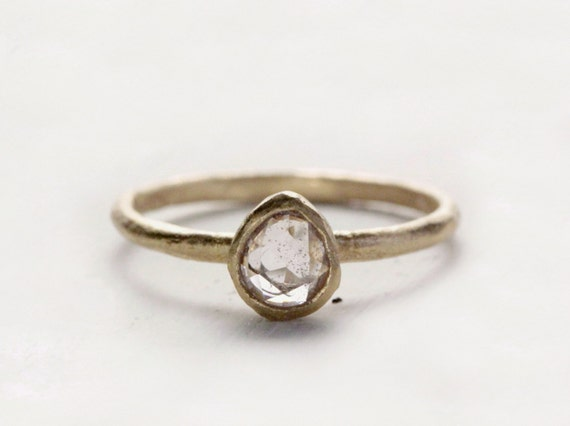Icy pink pear sapphire ring. Rose cut sapphire. 18k. Jack.