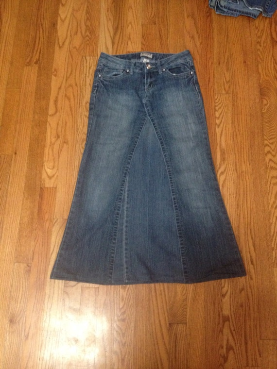 Tall Women's clothing: denim, jeans, pants, tops, and dresses. Sizes up to 39
