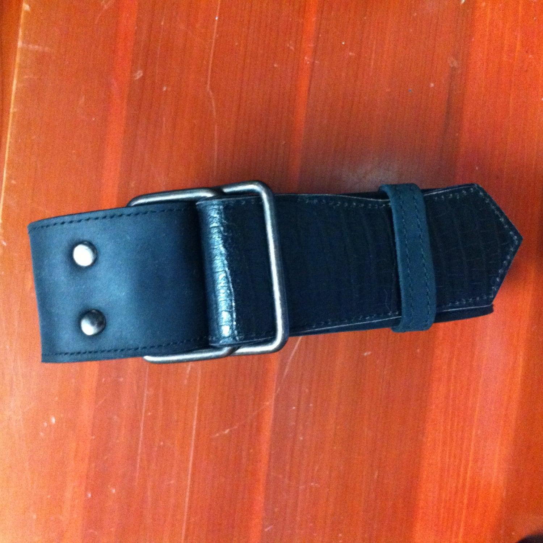 s custom handmade black leather d ring belt by manthreadz