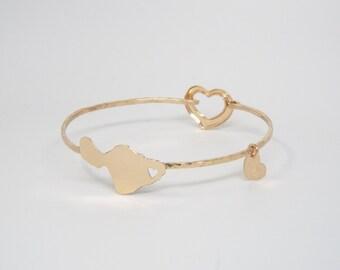 Heart in Maui Bangle, Maui Bracelet with Heart Clasp 14K gf or sterling silver handmade by Sparrow Seas in Maui, Hawaii