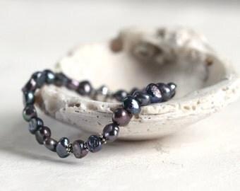 Gray Pearl Bracelet - Pearl Wedding Jewelry - Pearl Stretch Bracelet - Pearl Jewellery - Stacking Bracelet