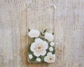 White floral iPhone 5 or 5s case