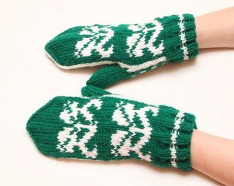 Handmade knitted GLOVES FOR WOMEN
